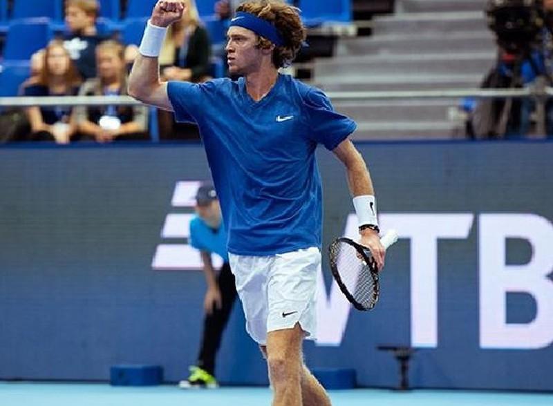 Теннисист Рублев вышел в четвертьфинал турнира ATP в Монте-Карло