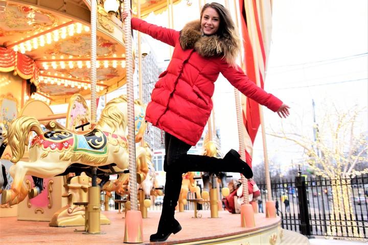 Новогоднее настроение в Москве. На фото Анастасия Мальцева / Фото: Пелагия Замятина, «Вечерняя Москва»