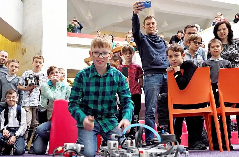 Соревнования по робототехнике DJI RoboMaster Youth проведут в Москве