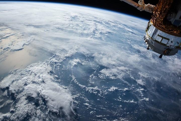 В России признали вероятность столкновения советского спутника с иностранной ракетой