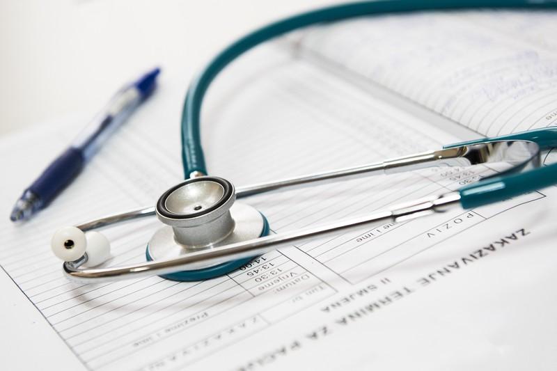 Медик объяснил отличия симптомов коронавируса от рака легких
