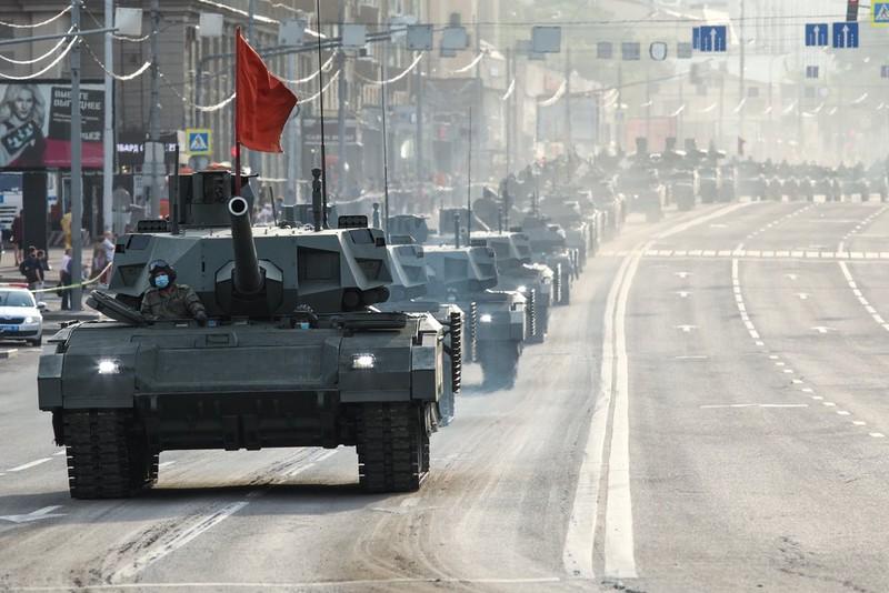 СМИ: Четверых человек задержали в Москве за попытку помешать репетиции парада Победы