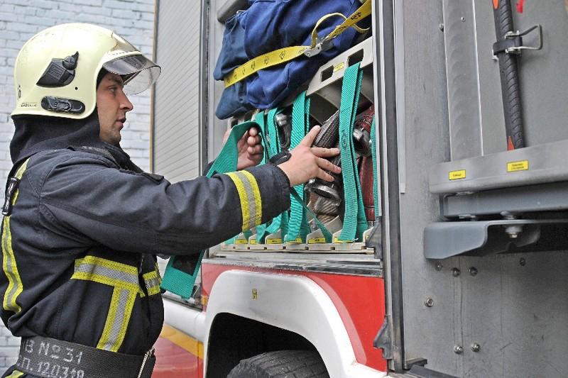 Взрослый и ребенок погибли при пожаре в частном доме в Подмосковье