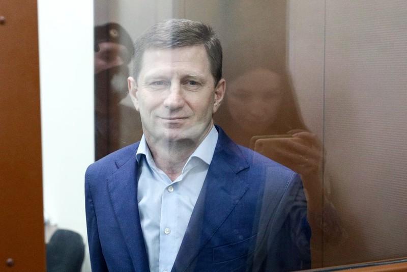 Суд продлил арест экс-главе Хабаровского края
