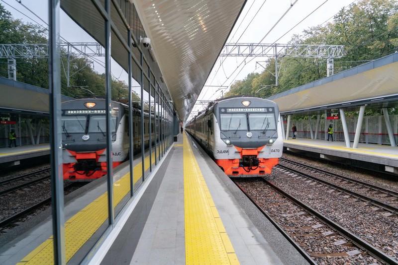 QR-коды с исторической информацией разместили на трех станциях МЖД