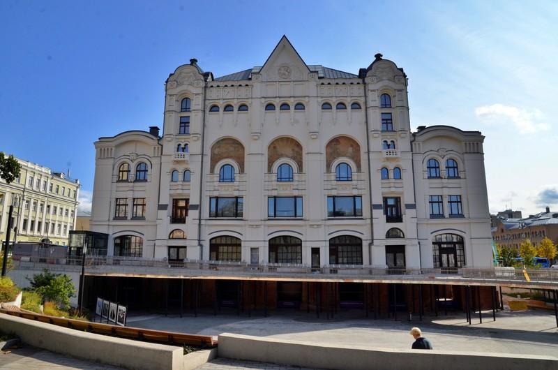 Движение ограничат в Москве из-за реконструкции здания Политехнического музея