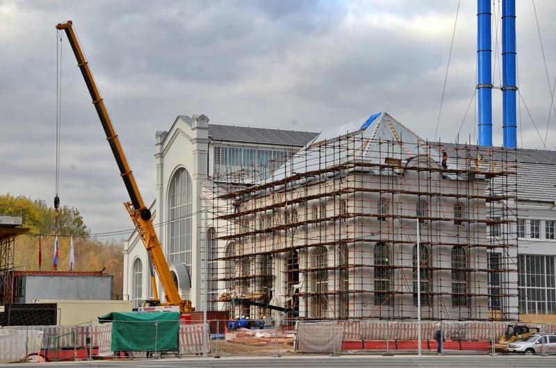 Власти Москвы заявили, что не планируют останавливать строительство из-за COVID-19