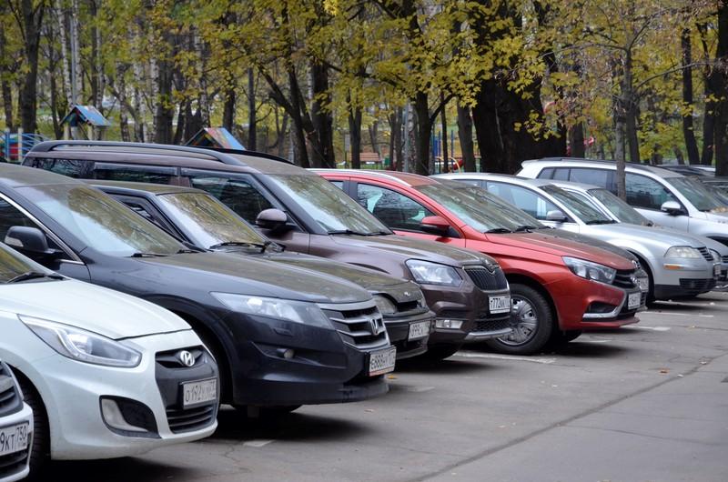 Более 250 новых парковочных мест появится в Москве