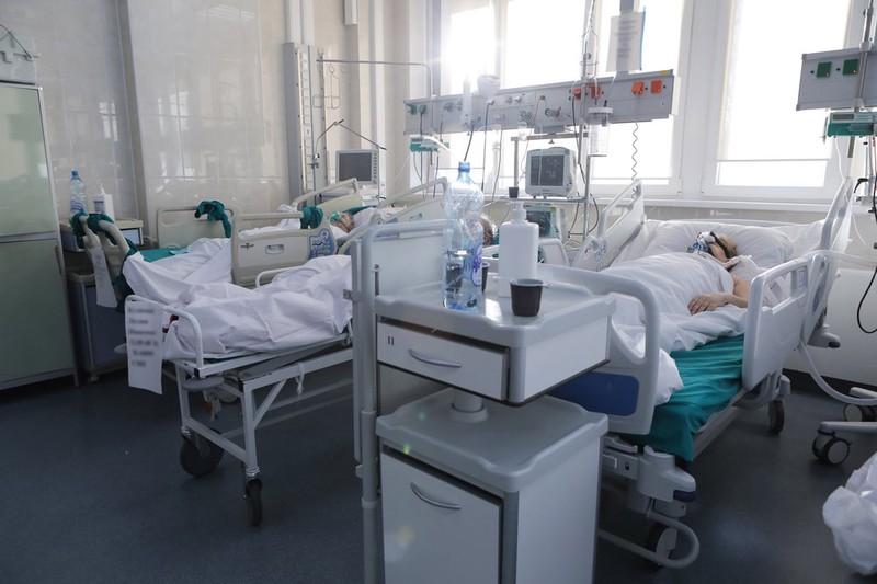 Более 1,7 тысячи человек с коронавирусом госпитализировали в Москве за сутки