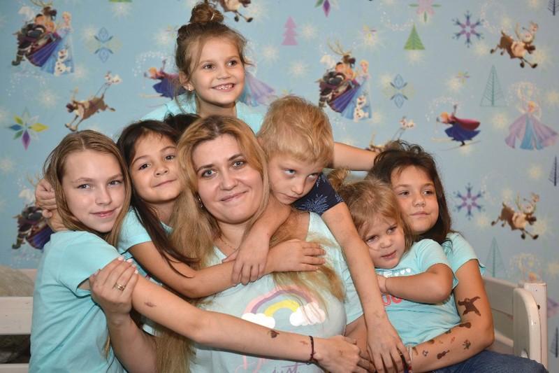 Благодаря мерам социальной поддержки женщины с детьми находят время на заботу о ближних