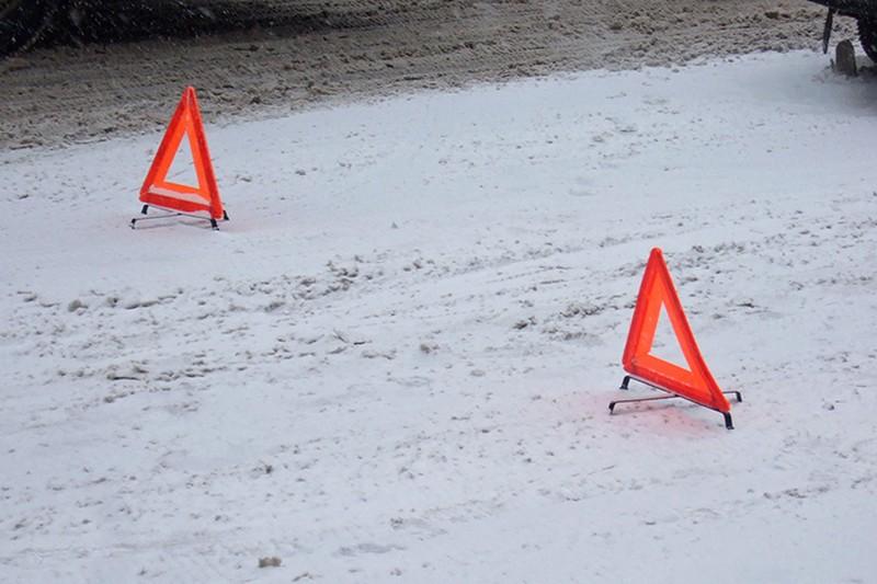 Движение ограничено на Ростокинском путепроводе в результате ДТП с участием четырех машин