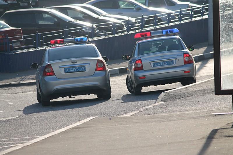 Водитель наехал на пешехода и припаркованную машину на юго-востоке Москвы