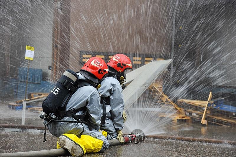 Открытое горение на складах в Люберцах ликвидировали