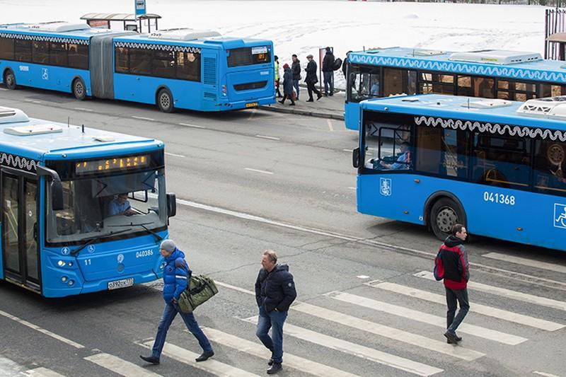 Водителям посоветовали пересесть на городской транспорт из-за непогоды в Москве