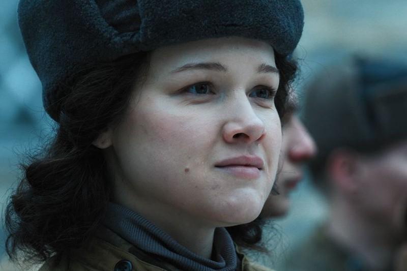 Хорошо, что про Зою говорят: Анастасия Мишина рассказала «Вечерней Москве», как проходили съемки военной драмы