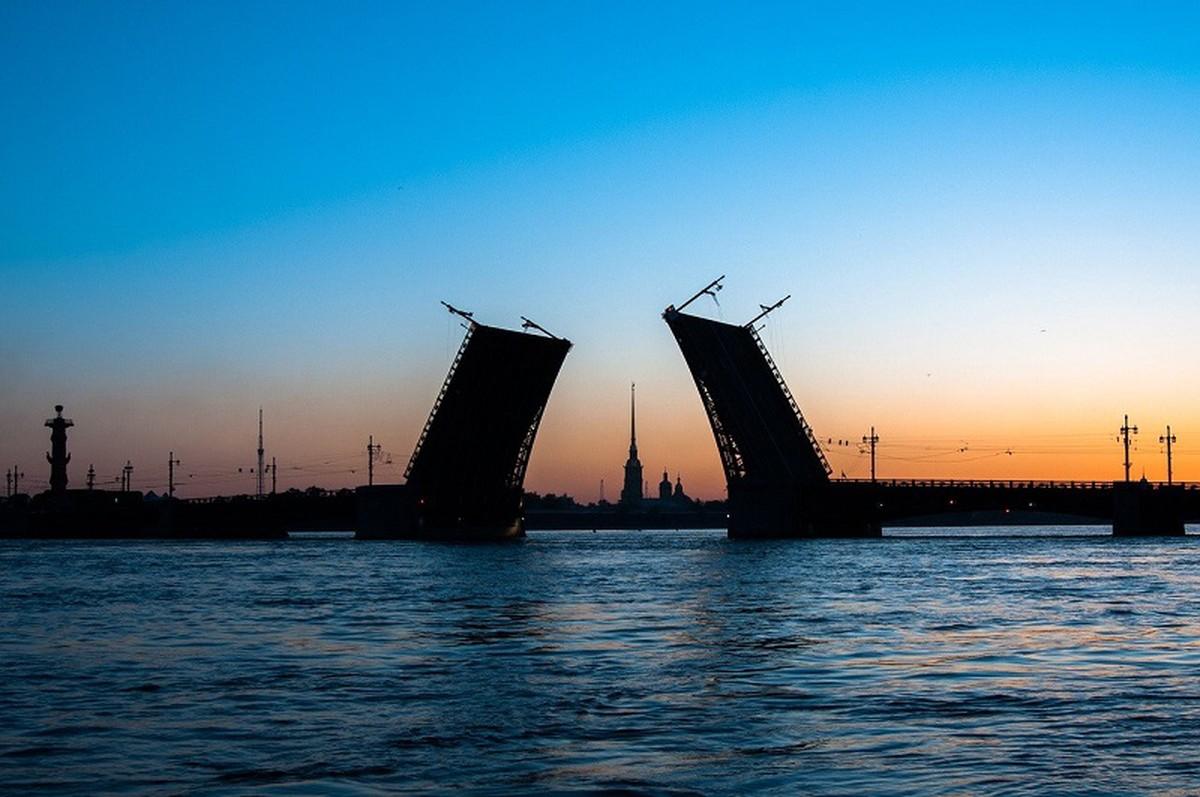 Температура воды в Неве и Финском заливе стала меньше 20 градусов