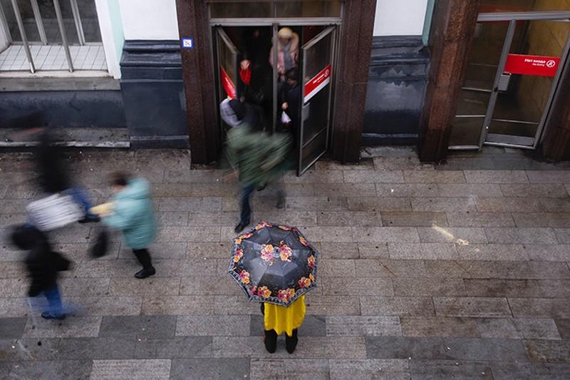 Более половины «зимних» дверей сняли на входах в московское метро
