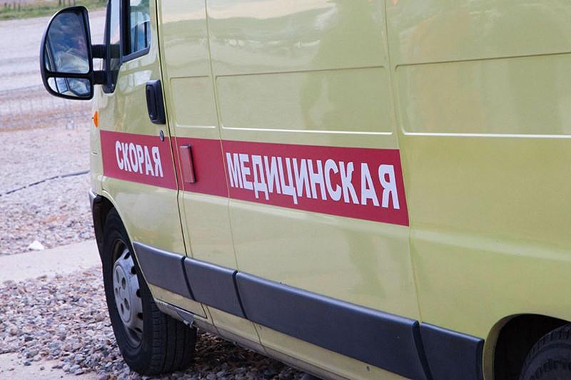 Один человек пострадал в аварии с участием автомобиля ДПС и такси в Москве
