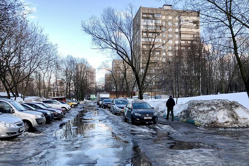 Москвичей предупредили о гололедице в среду утром