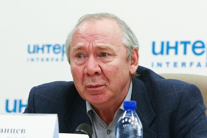 В «Спартаке» рассказали о состоянии тренера Романцева после операции