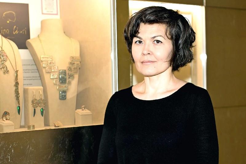В галерее Ильгиза Фазулзянова открылась первая выставка женщин-ювелиров