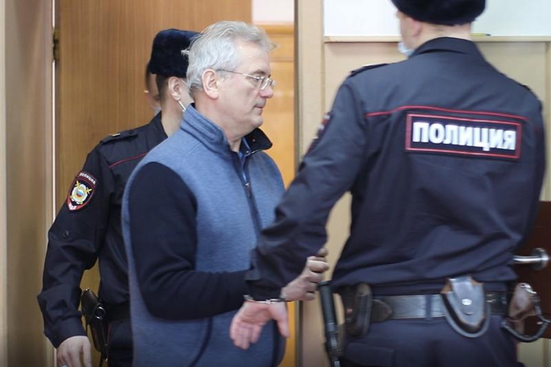 Следствие просит продлить арест бывшему губернатору Белозерцеву