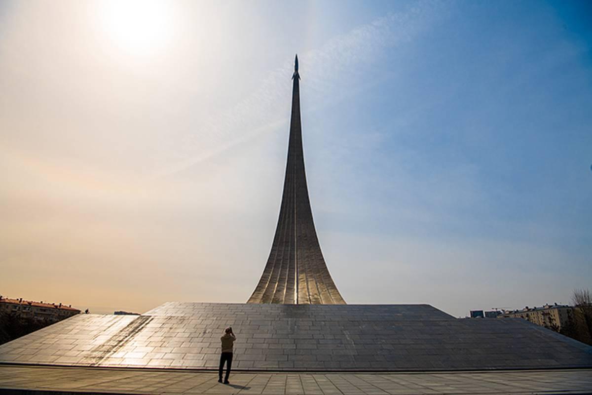 Москвичам рассказали об истории создания памятника «Покорителям космоса»