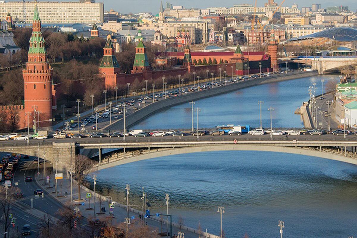 Петр Бирюков: На второй части Большого Каменного моста начали обустраивать проезжую часть