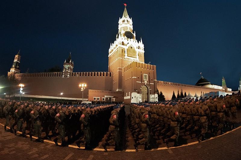 Стали известны даты ночных репетиций парада Победы в Москве