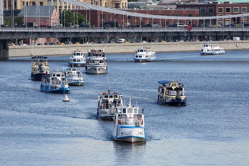 «Город с воды выглядит иначе»: куда можно отправиться на теплоходе в Москве