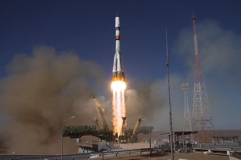 Запуск пилотируемого корабля «Союз МС-18» покажут на 15 медиафасадах в Москве