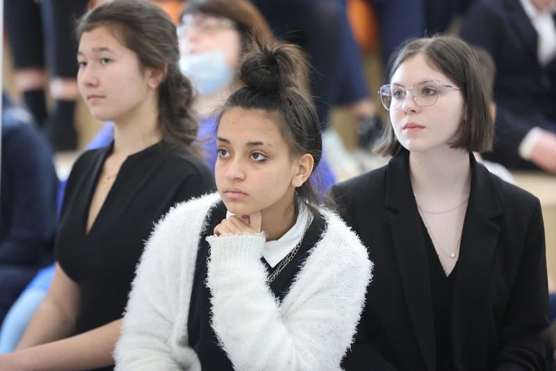 Для удобства и безопасности: московские школьники представили лучшие разработки на научно-практической конференции