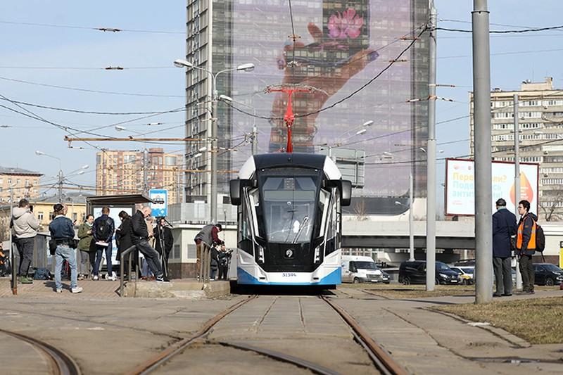 Трамваи с увеличенным количеством мест для пассажиров запустили на северо-западе Москвы