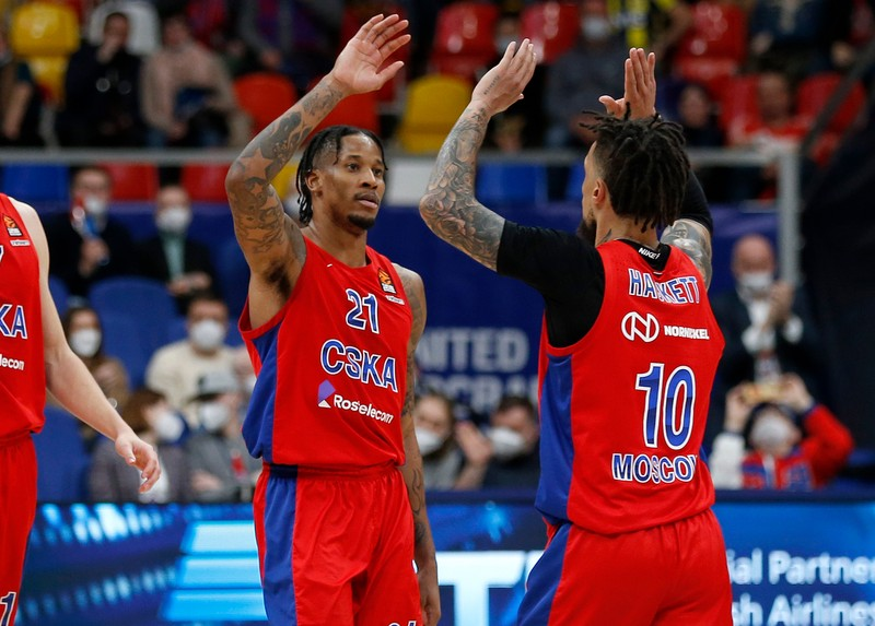 ЦСКА победил «Фенербахче» и вышел в «Финал четырех» баскетбольной Евролиги