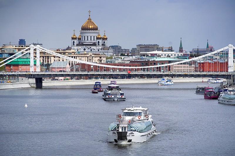 Парад теплоходов прошел в Москве
