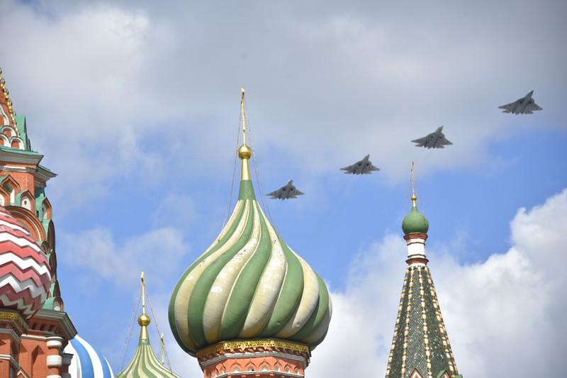 Решение по воздушной части парада Победы в Москве примут за несколько часов до его начала