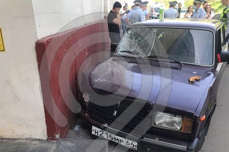 Момент ДТП на Волгоградском проспекте попал на видео