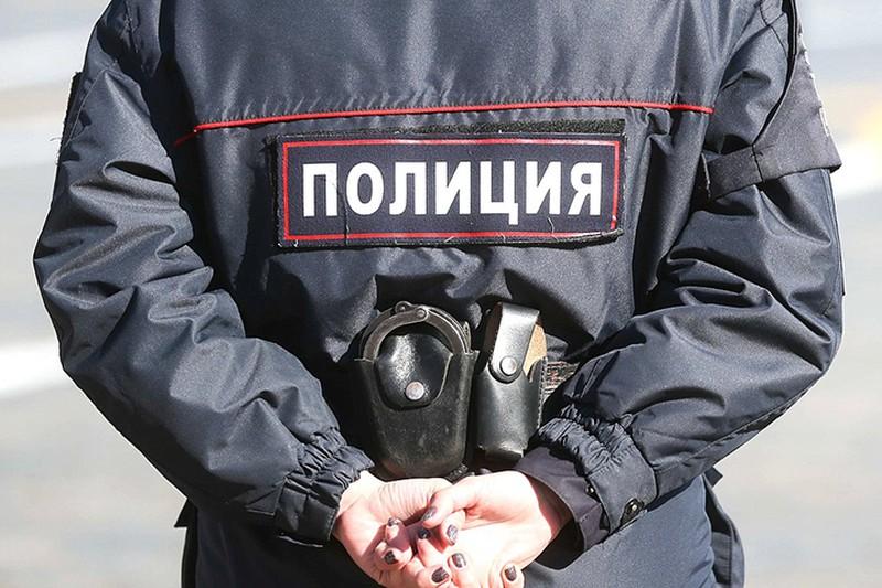 Мужчина избил двух человек в центре Москвы