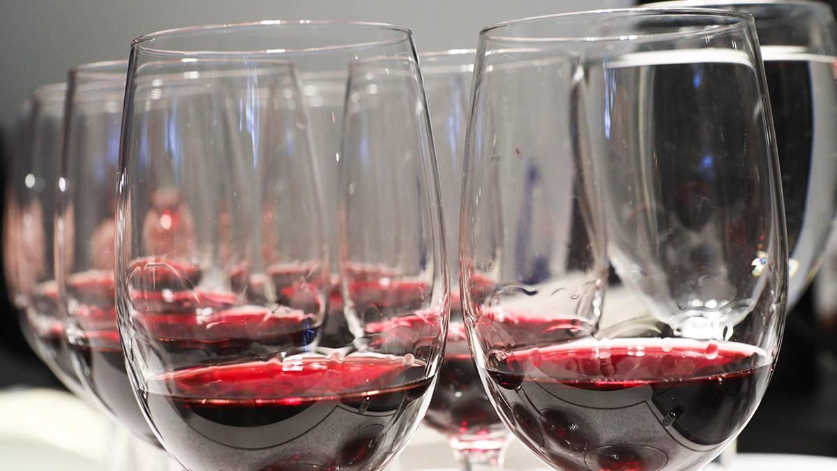 Ученые назвали полезную для сердца дозу спиртного