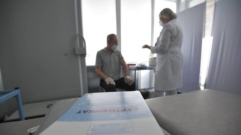 Обязательную вакцинацию для людей из групп риска ввели в Туле