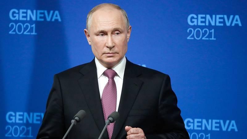 Путин рассказал о постоянной работе с Собяниным по ситуации с COVID-19