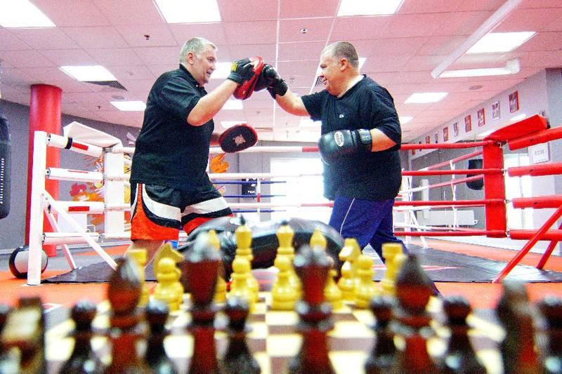 Шахматный бой продолжается на боксерском ринге