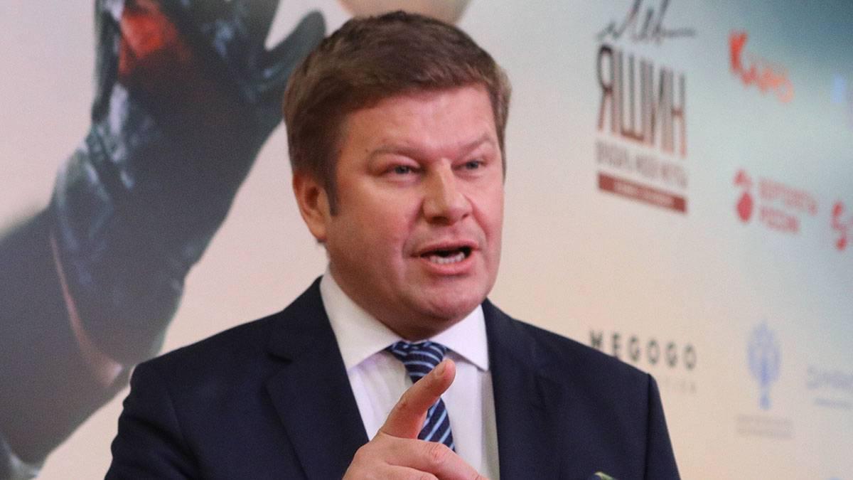 «Ему придется выбирать»: Губерниев прокомментировал условия контракта Карпина