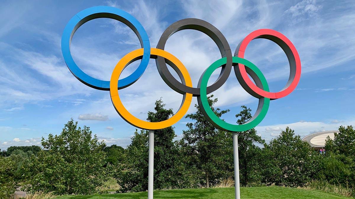 «Команды заперты в Олимпийской деревне». Эксперт рассказал о ходе главного спортивного события