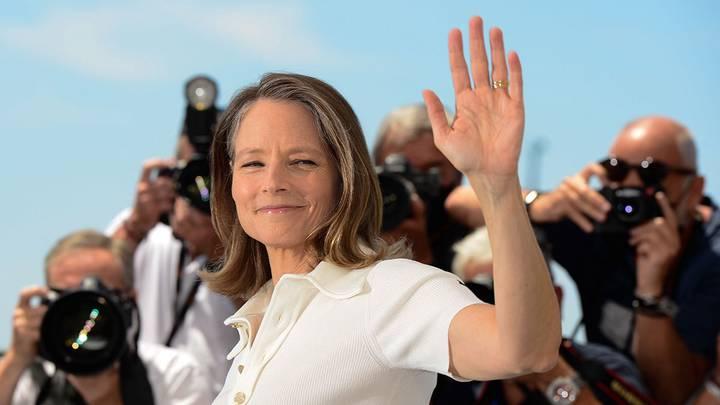 Джоди Фостер стала лауреатом «Золотой пальмовой ветви» 74-го Каннского кинофестиваля за вклад в мировое киноискусство / Фото: EPA