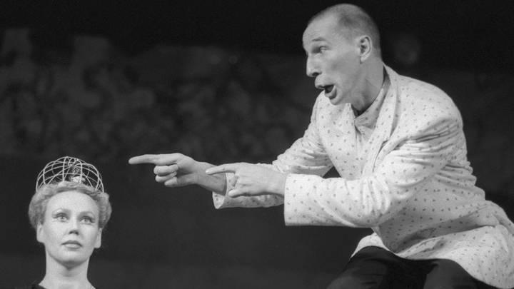 Спектакль Лысый брюнет, 1991 год /Строков Михаил/Фотохроника ТАСС