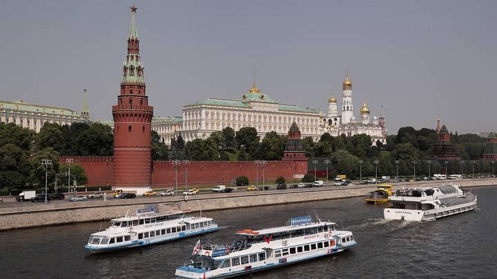 Кремлевская набережная / Фото: Александр Щербак/ТАСС