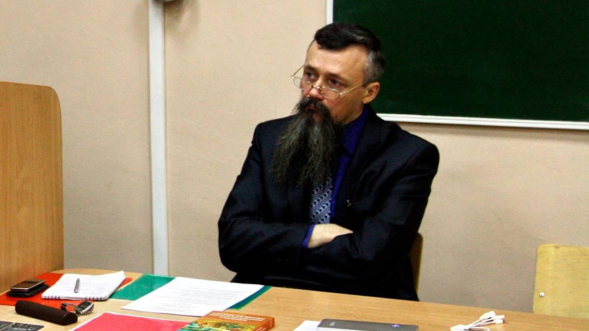Психолог объяснил поведение профессора, читавшего лекцию во время стрельбы