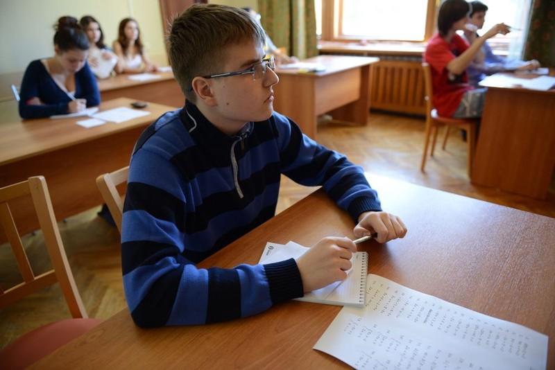 Почти 95 тысяч девятиклассников будут сдавать ГИАв Москве в 2021 году