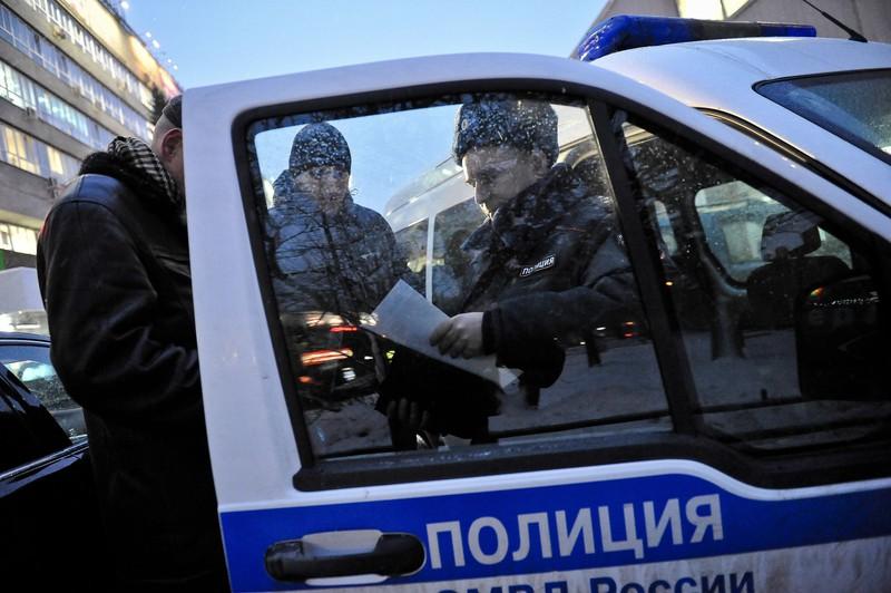 Двое пьяных мужчин устроили дебош в баре в центре Москвы